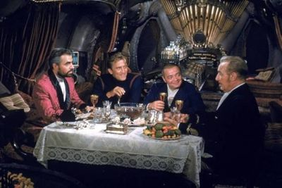 20000-Leagues-Under-the-Sea-James-Mason-Kirk-Douglas-Peter-Lorre-17-12-10-kc